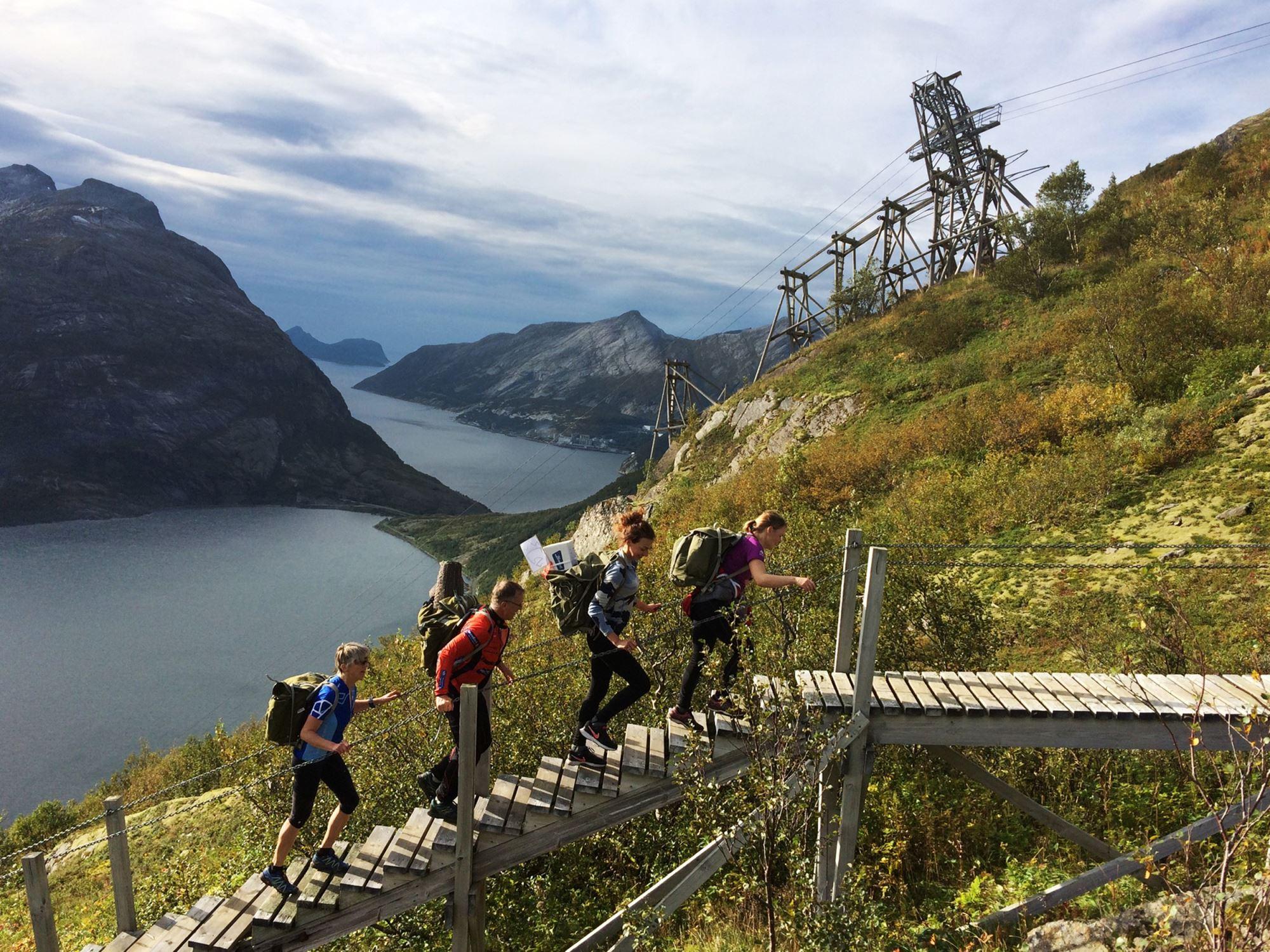 Opplev Glomfjella og besk Fykan - trappene !