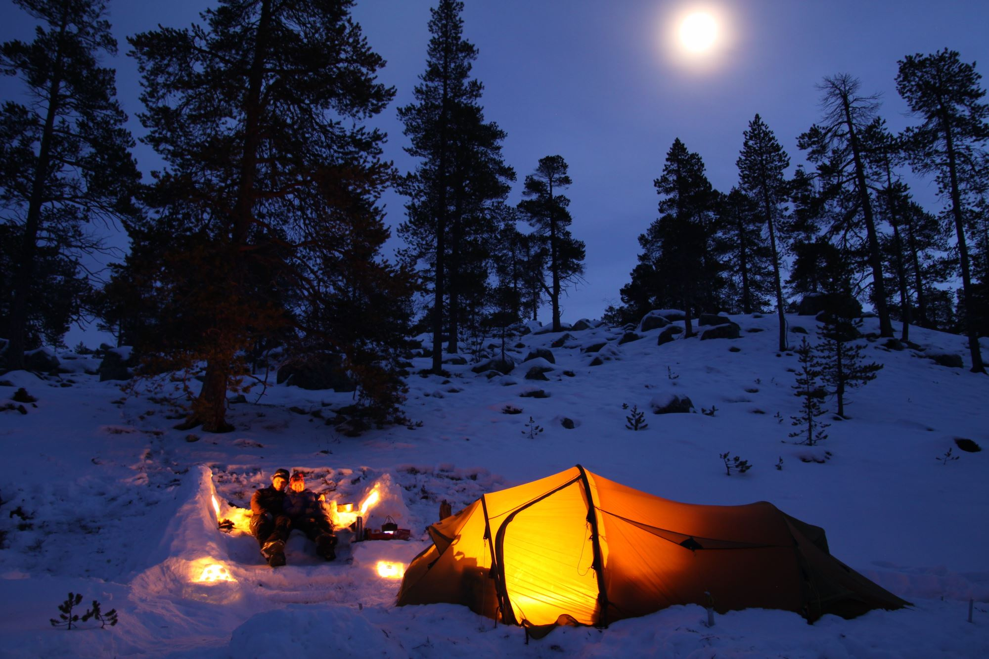 Tenting under the full moon :)
