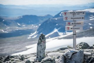 Guided hike to Snøhetta - public tour