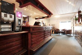 Napoli Restaurant og Hotell